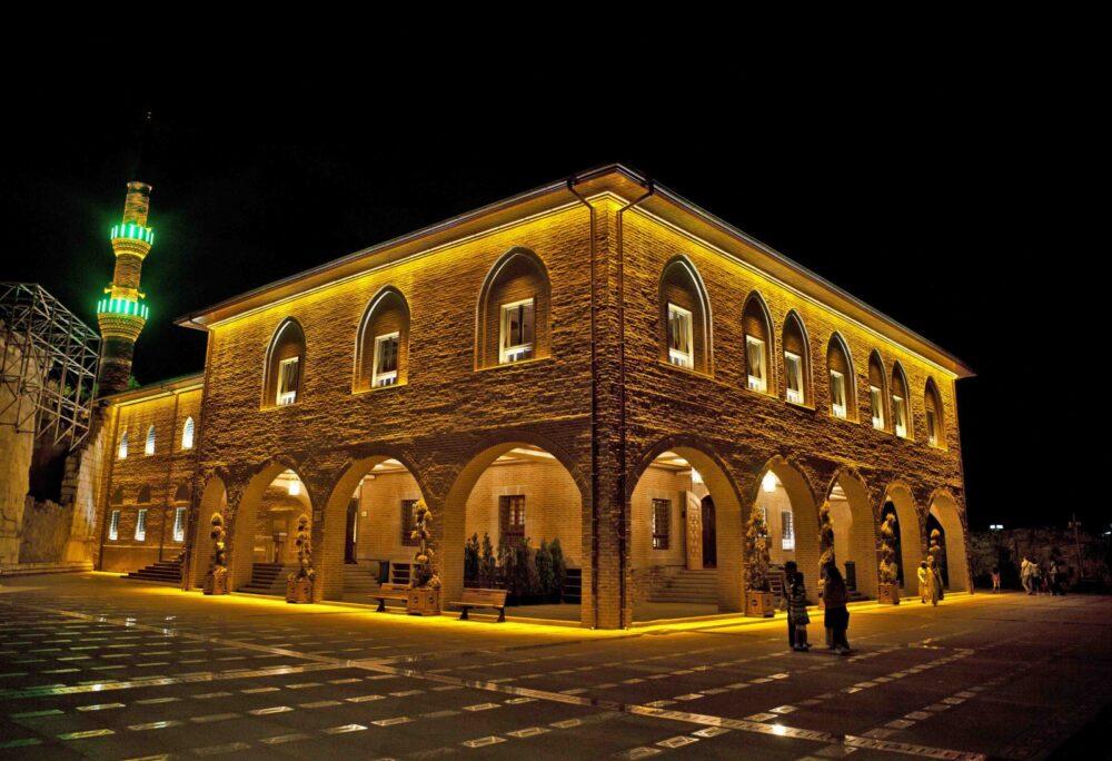 Мечеть Хаджи Байрам в Анкаре ночью