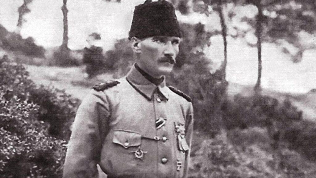 Ататюрк во время Англо-турецкой войны 1915-1916 гг