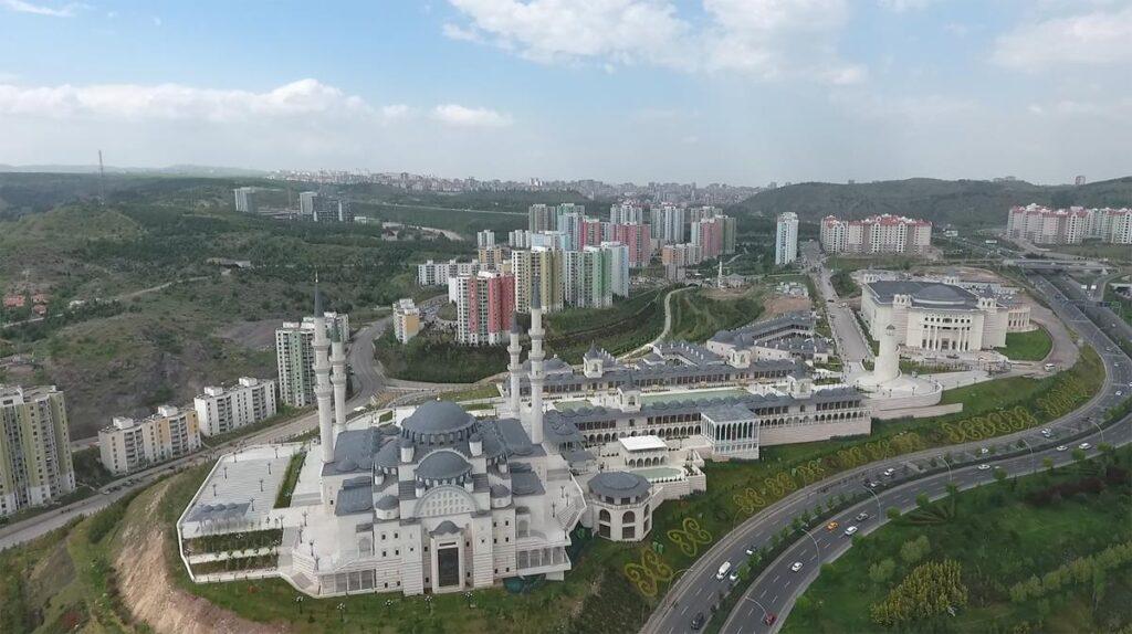 Вид сверху на мечеть Северная Анкара