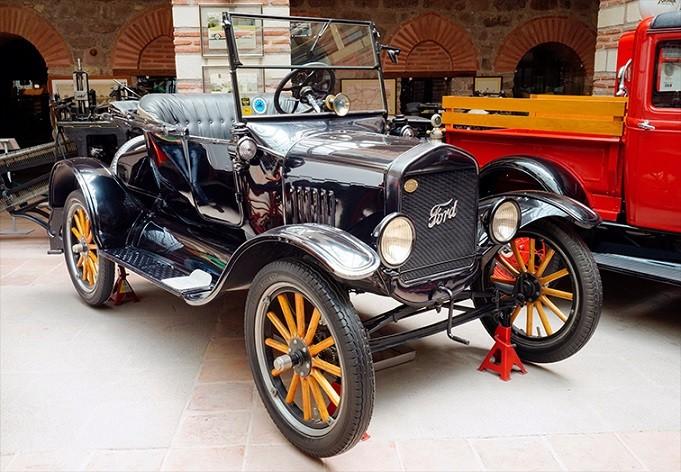 Автомобиль Форд-Т 1927 года выпуска в музее Рахми Коча